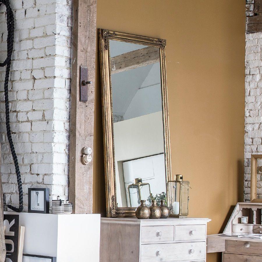 Grand miroir rectangulaire doré en pin massif - Couture
