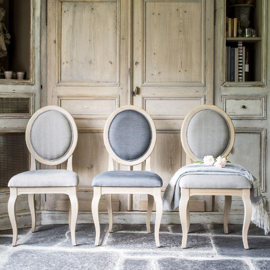 Chaise médaillon beige en tissu - Hortense