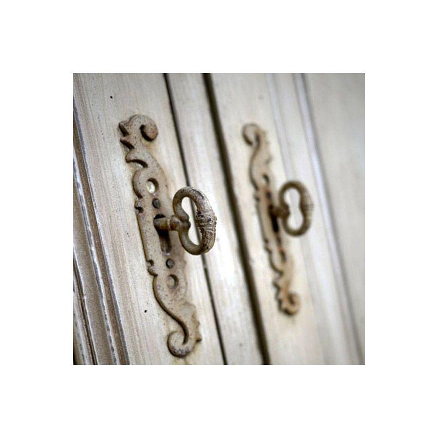 Buffet bas 3 portes en pin grège vieilli - Château
