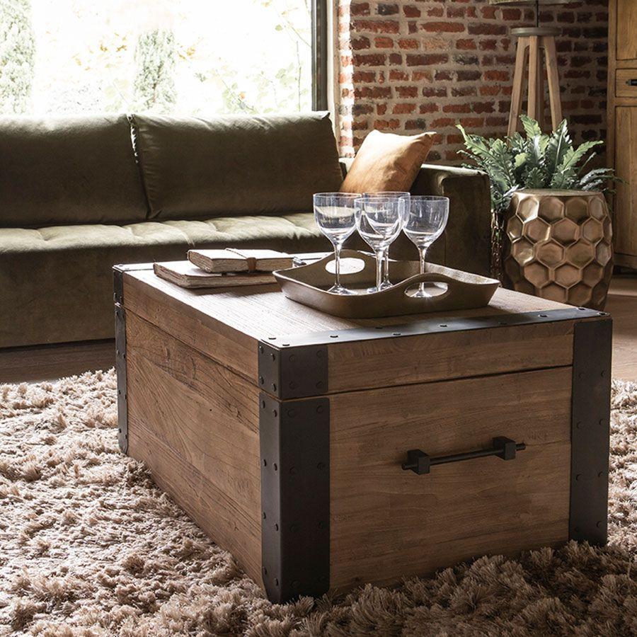 Table basse coffre industrielle en orme recyclé - Transition
