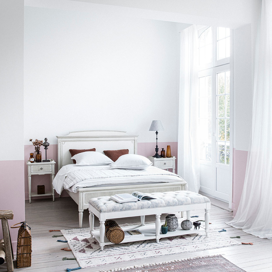 Lit 180x200 en pin blanc craie - Montaigne