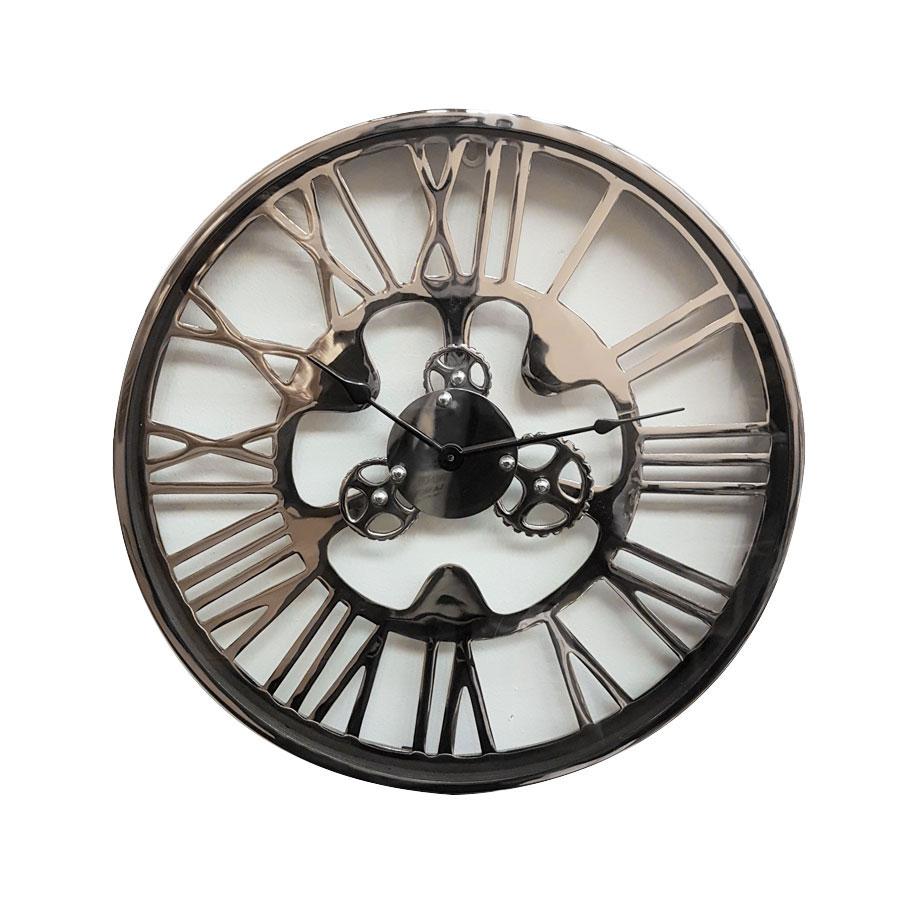 Horloge en métal chromé