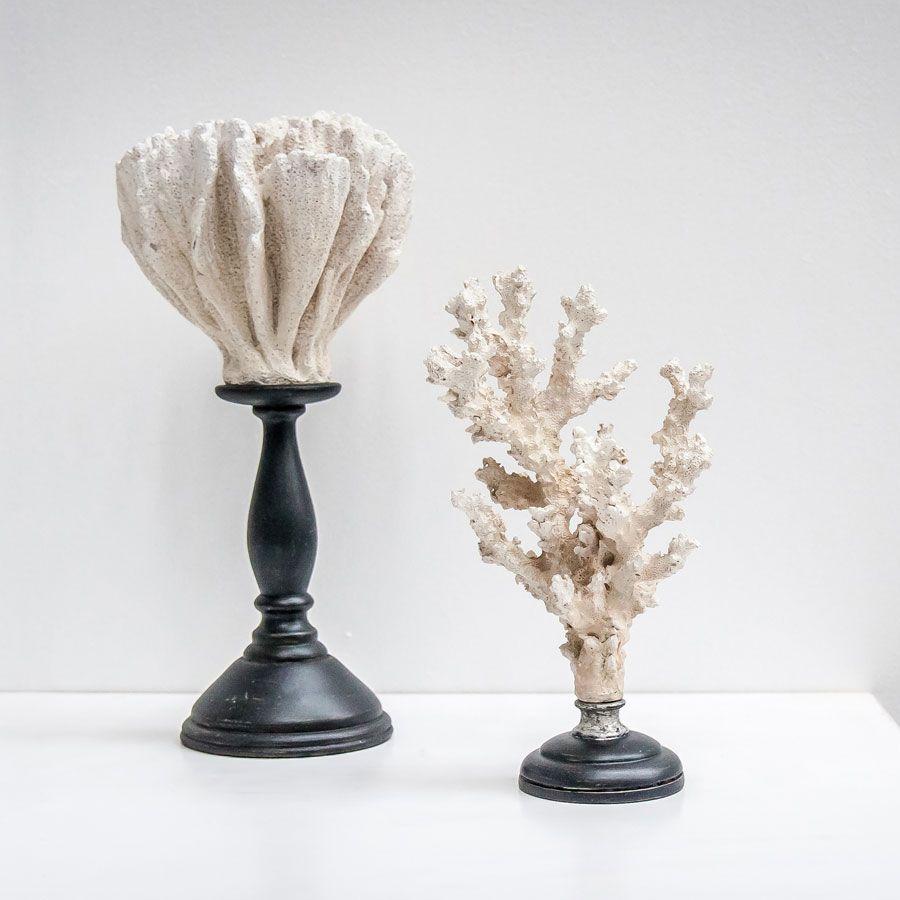 Statuette corail sur socle en bois
