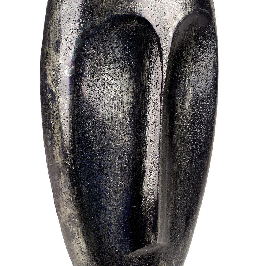 Masque en métal sur pied