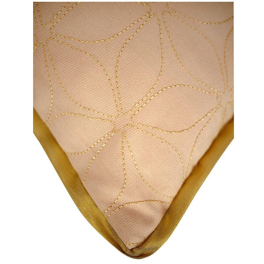 Housse de coussin couleur nude brodée 30x50