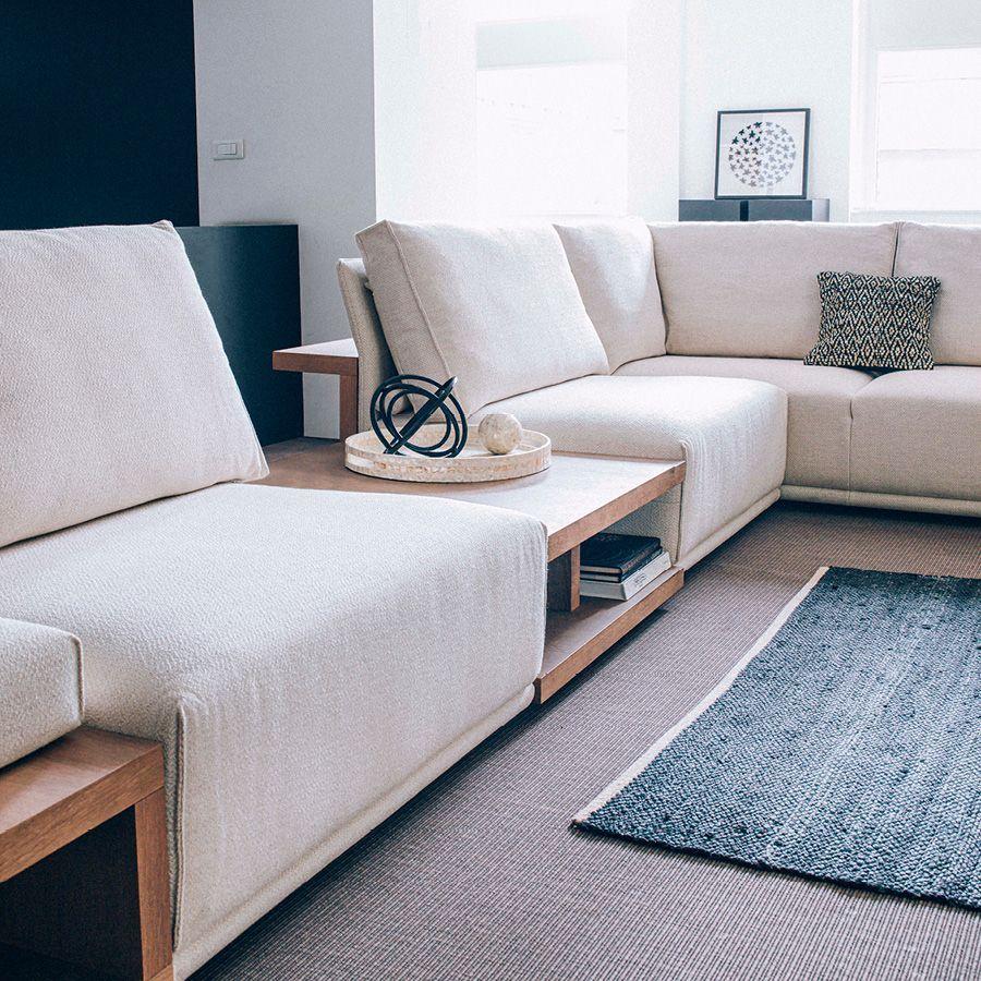 Module table et accoudoir en bois avec coussin pour canapé d'angle en tissu beige - Milano