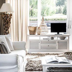 Meuble TV blanc avec rangements en épicéa - Vénitiennes