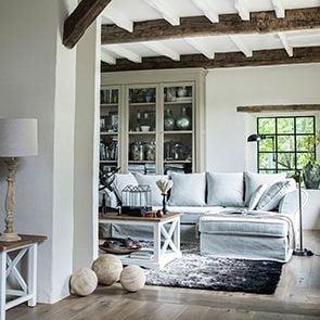 Table basse rectangulaire blanche en épicéa massif - Vénitiennes