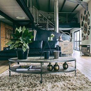 Table basse ovale industrielle en bois recyclé - Empreintes - Visuel n°3