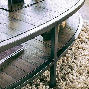 Table basse ovale industrielle en bois recyclé - Empreintes - Visuel n°4