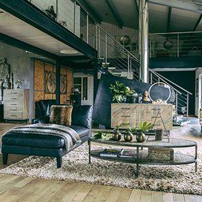 Table basse ovale industrielle en bois recyclé - Empreintes - Visuel n°5