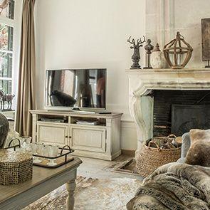 Meuble TV avec rangements en épicéa massif - Amboise