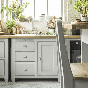 Meuble bas de cuisine pour évier en pin gris perle - Brocante