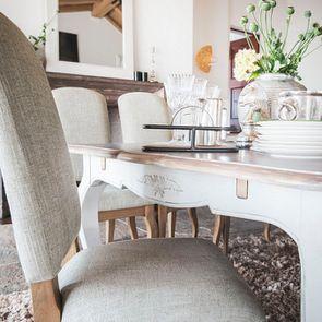 Chaise en frêne massif et tissu vert amande - Romy - Visuel n°4