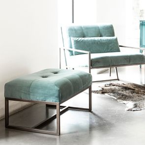 Pouf en métal et velours vert bleuté - Nolan