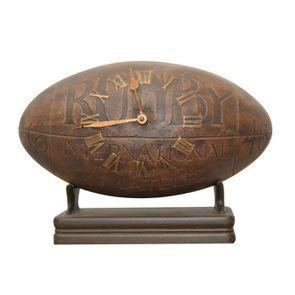 Horloge ballon de rugby en bois