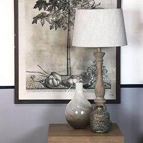 Lampe en bois beige et lin