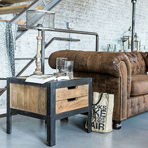 Bout de canapé industriel en orme et métal - Transition