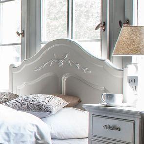 Lit 180x200 en bois sable rechampis blanc - Lubéron - Visuel n°3