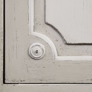 Armoire penderie 2 portes 3 tiroirs en pin blanc craie - Montaigne - Visuel n°16