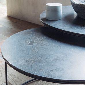 Tables basses rondes gigognes avec plateaux en pierre bleue - Minéral - Visuel n°6