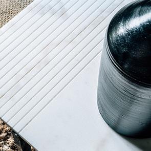 Bout de canapé plateau en marbre blanc - Minéral - Visuel n°4