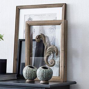 Cadre entre-deux verres en bois feuille d'acanthe