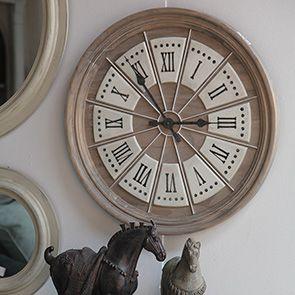 Horloge ronde en bois