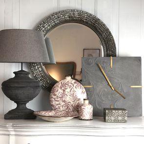 Lampe à poser en béton noir et tissu gris -Interior's