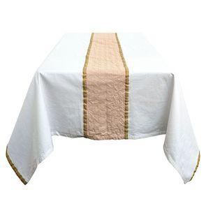 Nappe blanche brodée de motifs dorés 170x260