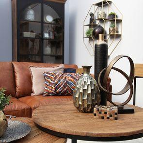 Vase décoratif en métal martelé