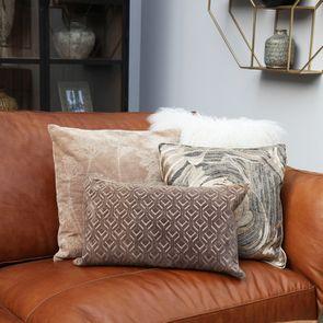 Housse de coussin effet velours motif floral beige - Visuel n°2