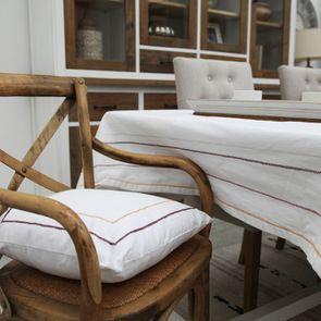 Galette de chaise à liserés doré et rouge