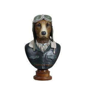 Statue chien aviateur