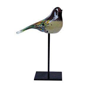 Oiseau en verre sur pied