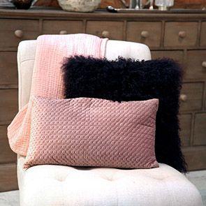 Housse de coussin violette en laine d'agneau du Tibet