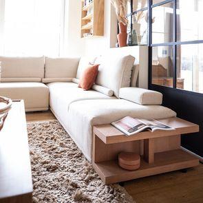 Module table et accoudoir en bois avec coussin pour canapé d'angle en tissu beige - Milano - Visuel n°2
