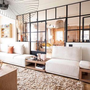 Module table et accoudoir en bois avec coussin pour canapé d'angle en tissu beige - Milano - Visuel n°4