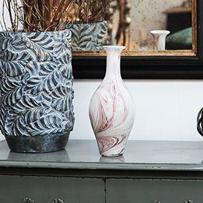 Vase en verre finition marbre
