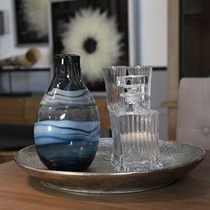 Vase en verre soufflé à la bouche bleu
