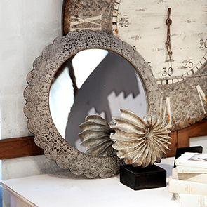 Miroir rond en dentelle de métal grise