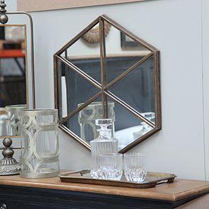 Miroir hexagonal en métal