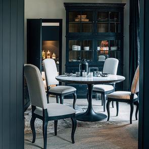 Chaise noire en hévéa massif et tissu - Manoir - Visuel n°5